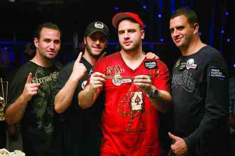 Mizrachi brothers Robert Mizrachi WSOP 2015 bracelet