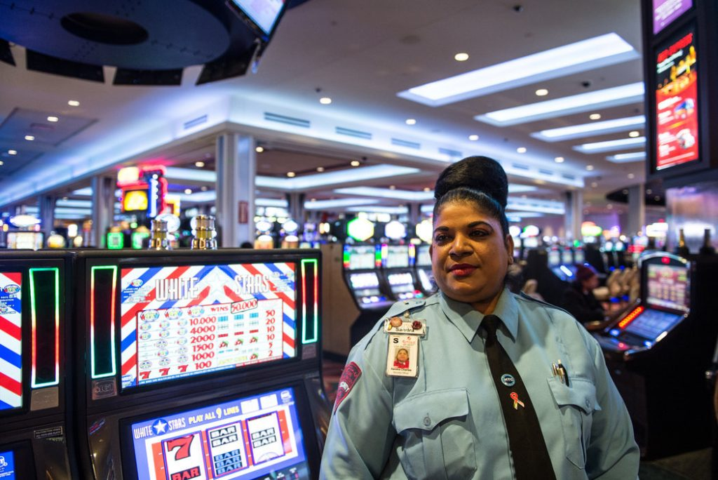 Casino workers Wisconsin gambling expansion