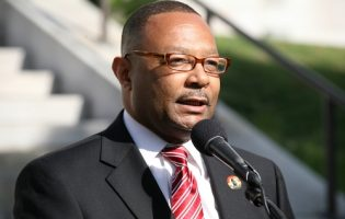 Online Poker in California Will Take a While Says Assemblyman Jones-Sawyer